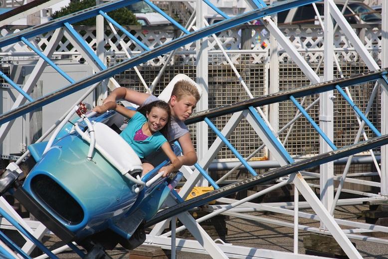Barracuda ride coaster Jolly Roger